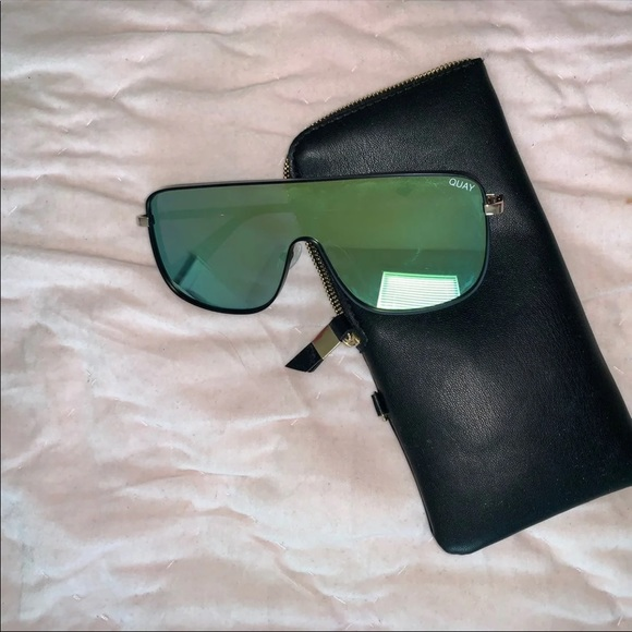 Quay Australia Accessories - ღ︎︎ Quay sunglasses unbothered ღ︎︎